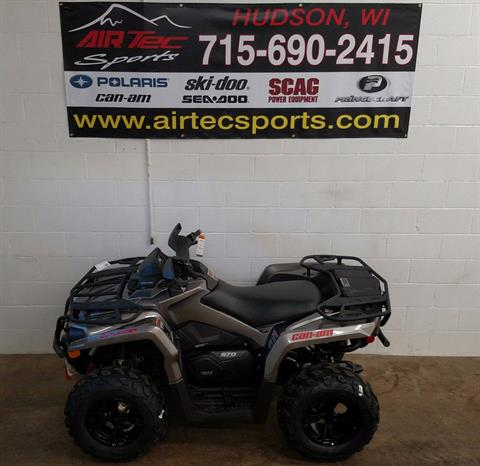 2017 Can-Am Outlander™ XT™ 570 in Hudson, Wisconsin