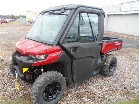 2017 Can-Am Defender XT™ CAB HD8 in Rice Lake, Wisconsin
