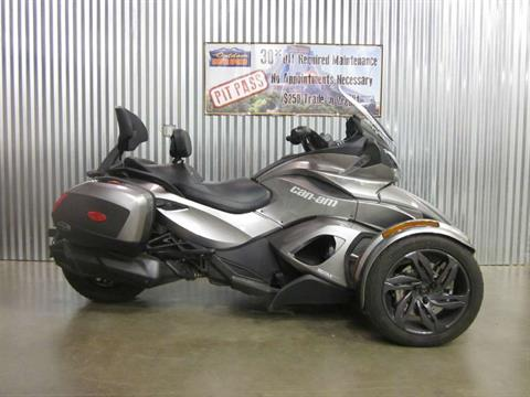2013 Can-Am Spyder® ST-S SE5 in Spearfish, South Dakota
