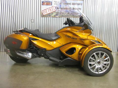 2014 Can-Am Spyder® ST Limited in Spearfish, South Dakota