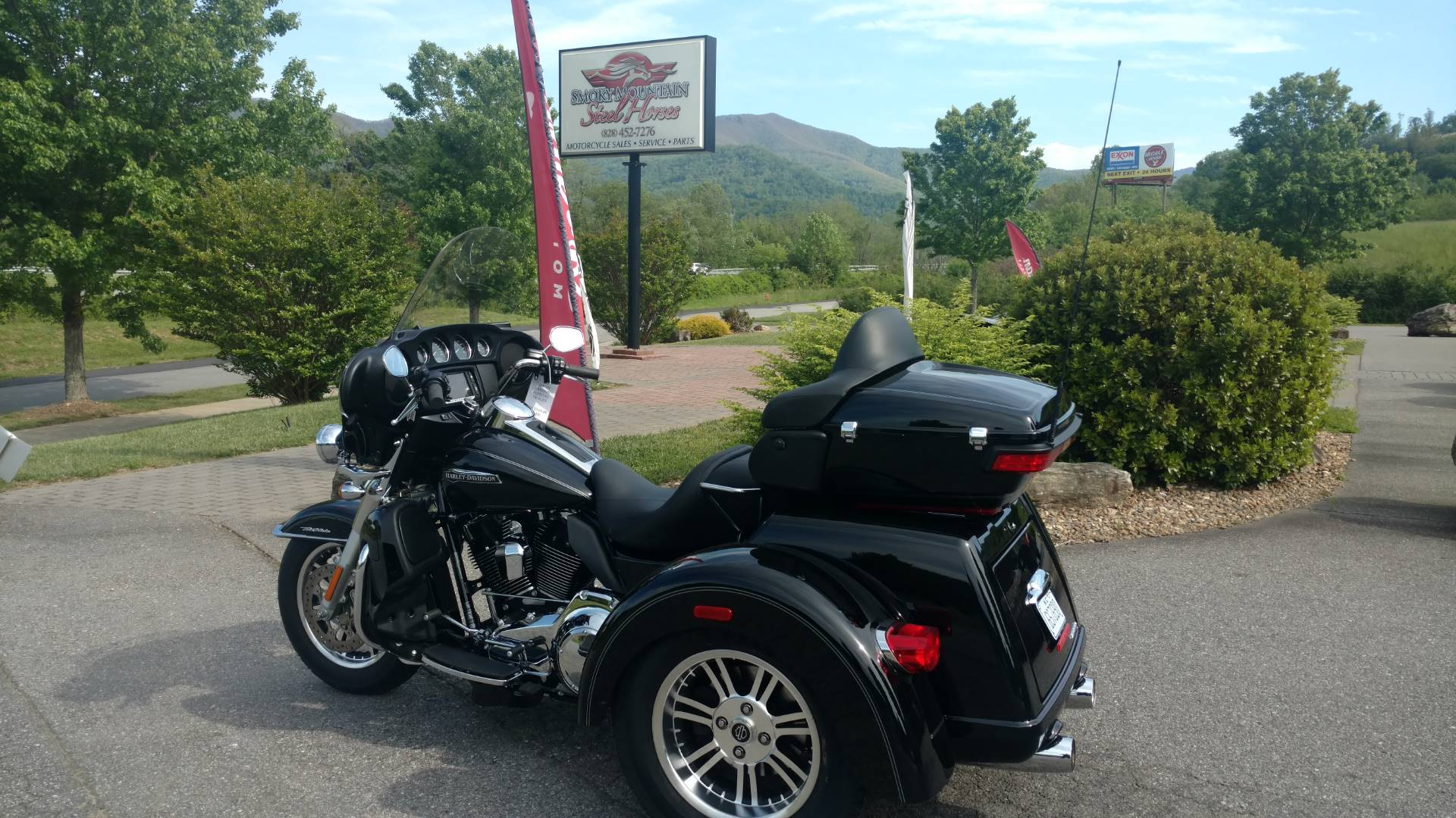 2016 Harley-Davidson Tri Glide® Ultra in Waynesville, North Carolina