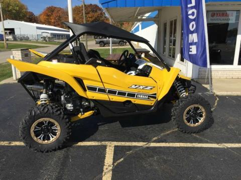 2016 Yamaha YXZ1000R SE in Coloma, Michigan
