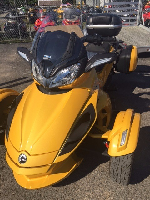 2013 Can-Am Spyder® ST-S SE5 in Phoenix, New York