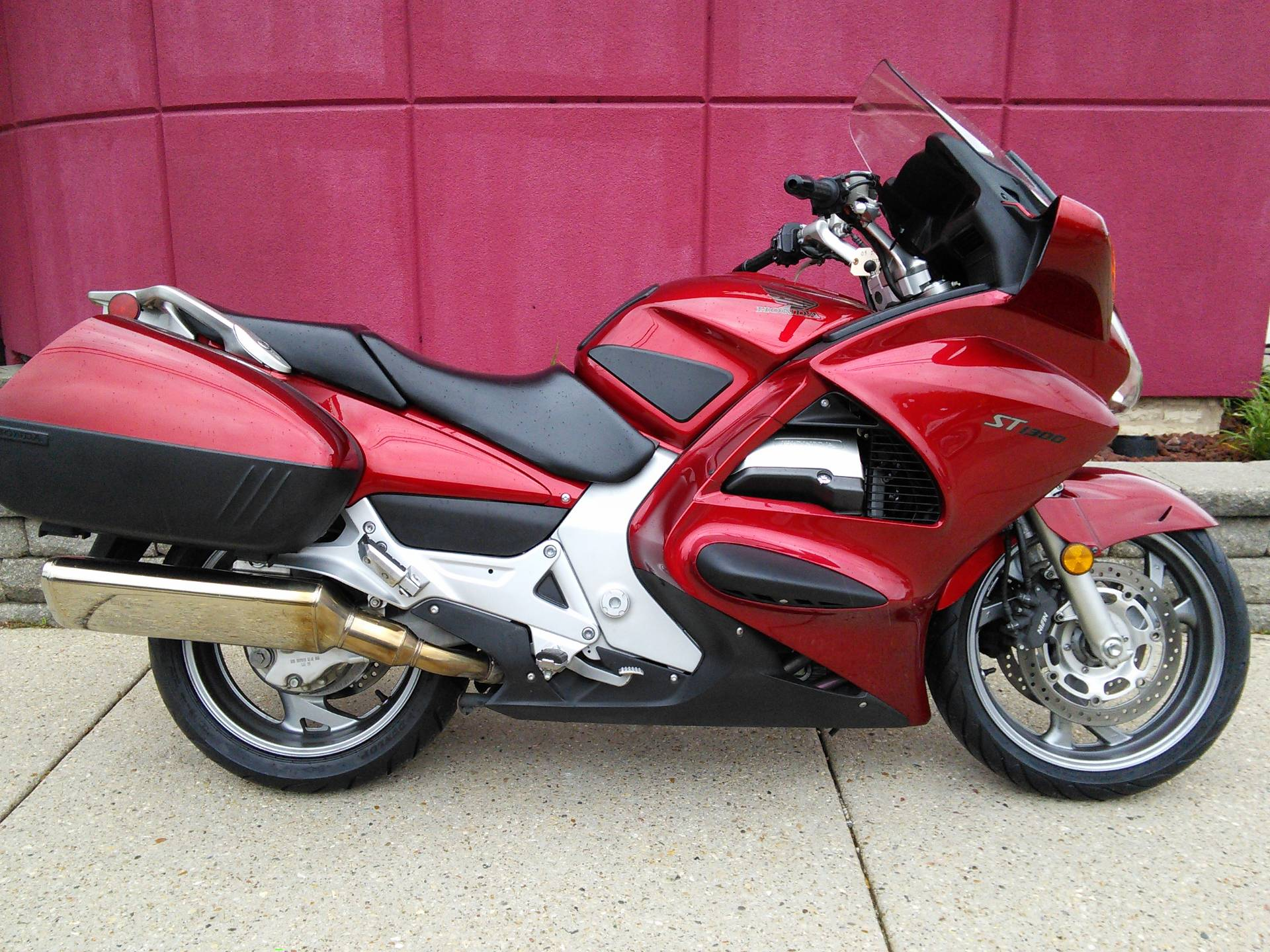 Used 2009 honda st1300 motorcycles in des plaines il for Honda des plaines