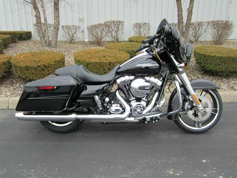 2016 Harley-Davidson Street Glide® Special in Plain City, Ohio