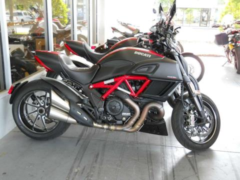 2015 Ducati Diavel Carbon in Orange Park, Florida