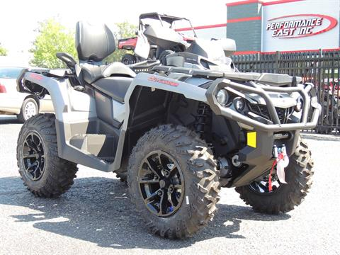 2017 Can-Am Outlander™ MAX XT™ 850 in Goldsboro, North Carolina