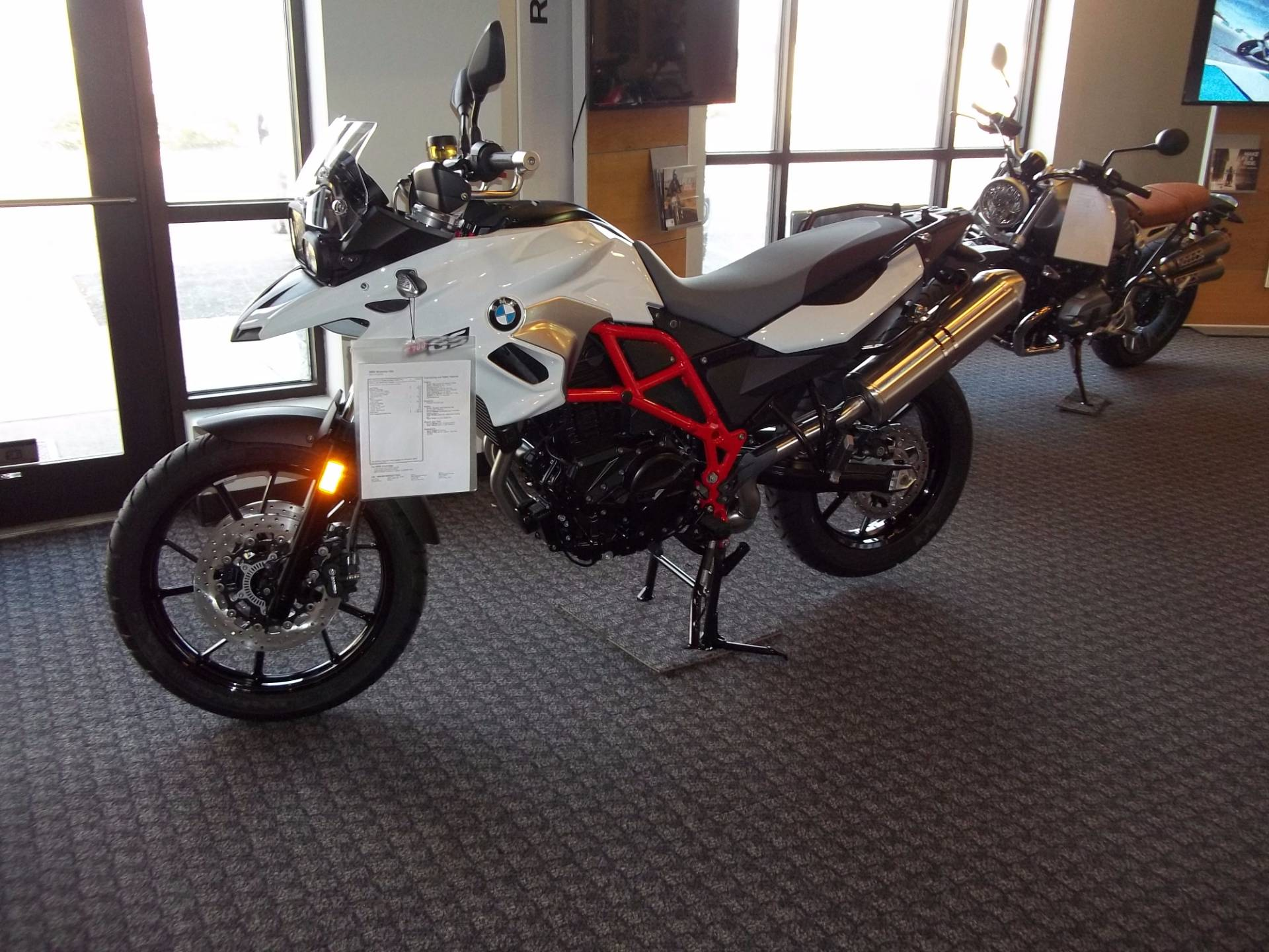 2017 bmw f700gs white 2017 bmw dual sport motorbike in omaha ne 4401681077 used. Black Bedroom Furniture Sets. Home Design Ideas