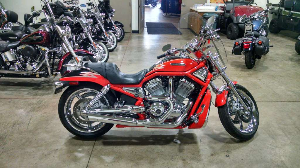 2005 Harley-Davidson VRSCSE Screamin' Eagle® V-Rod® in Chippewa Falls, Wisconsin