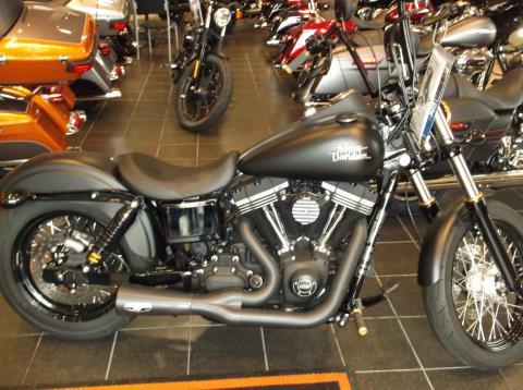 2015 Harley-Davidson STREET BOB in Branford, Connecticut