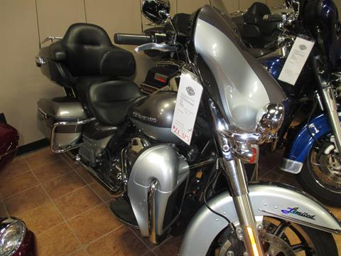 2014 Harley-Davidson Limited in Marquette, Michigan