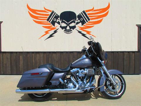 2015 Harley-Davidson Street Glide® Special in Pacific Junction, Iowa