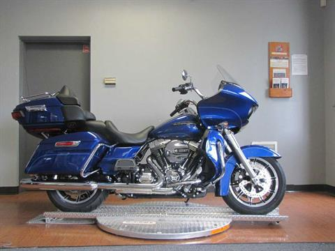 2016 Harley-Davidson Road Glide® Ultra in Manchester, New Hampshire
