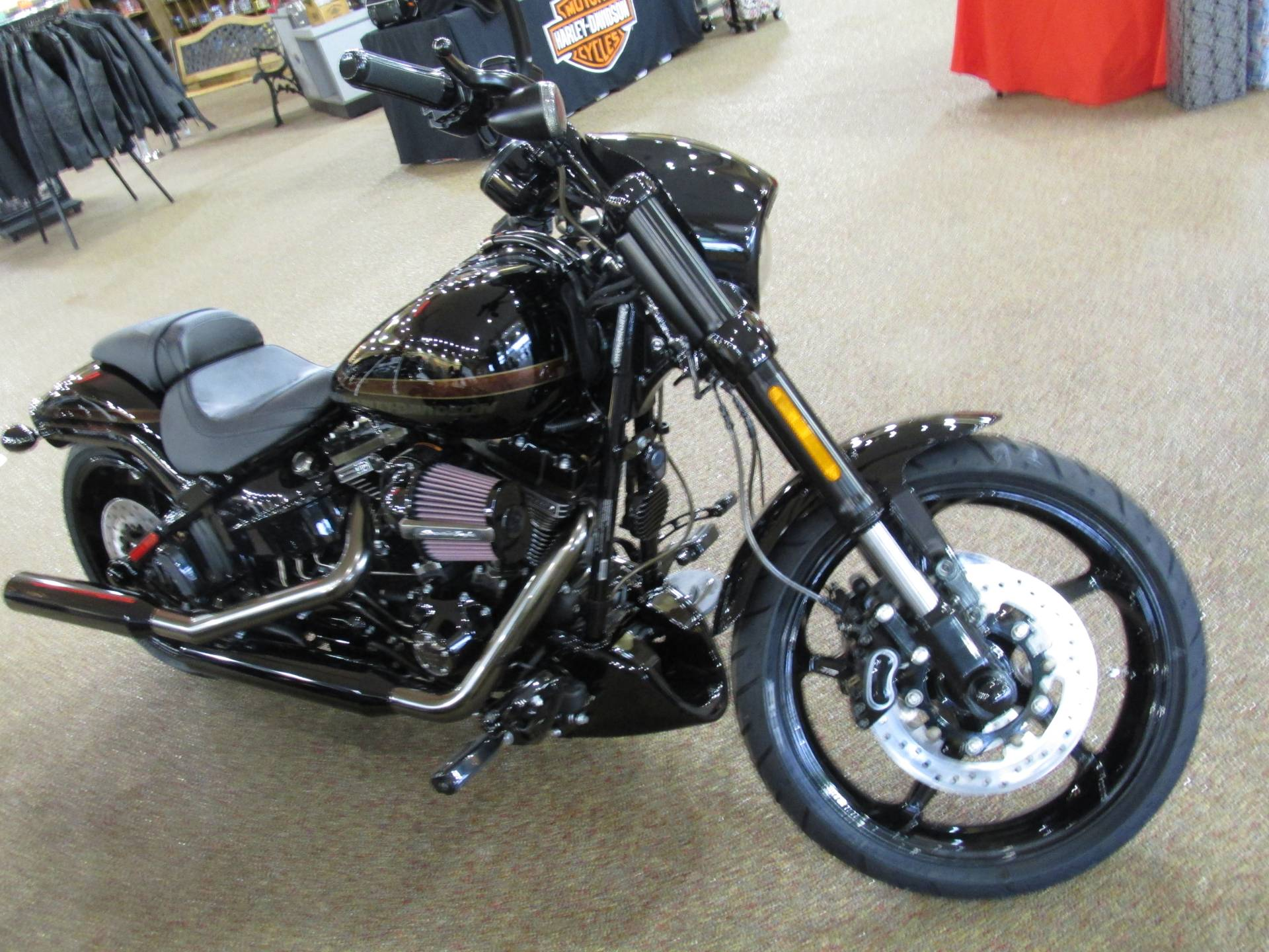 2017 Harley-Davidson CVO™ Pro Street Breakout® in Knoxville, Tennessee