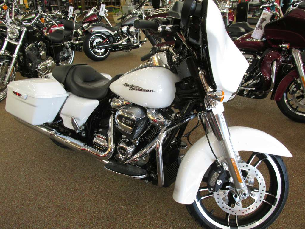 2017 Harley-Davidson Street Glide® Special in Knoxville, Tennessee