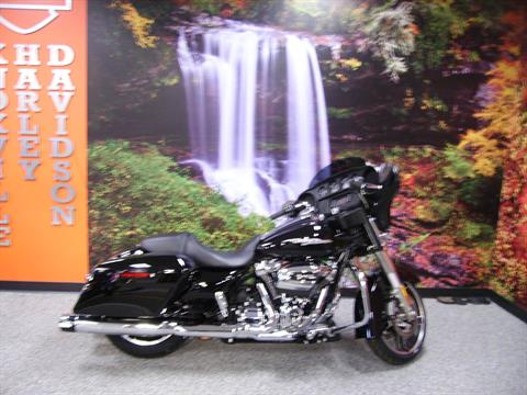 2017 Harley-Davidson Street Glide® in Knoxville, Tennessee