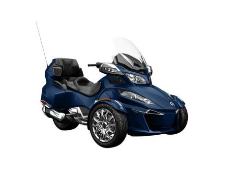 2016 Can-Am Spyder® RT Limited in Baldwin, Michigan