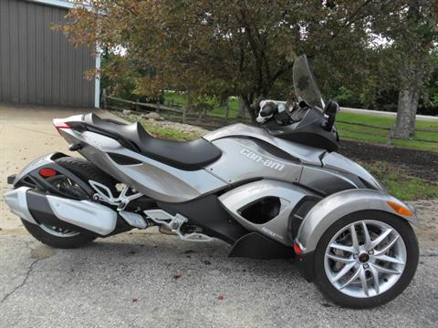 2013 Can-Am Spyder® RS SE5 in Baldwin, Michigan
