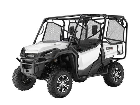 2016 Honda Pioneer™ 1000-5 Deluxe in West Bridgewater, Massachusetts
