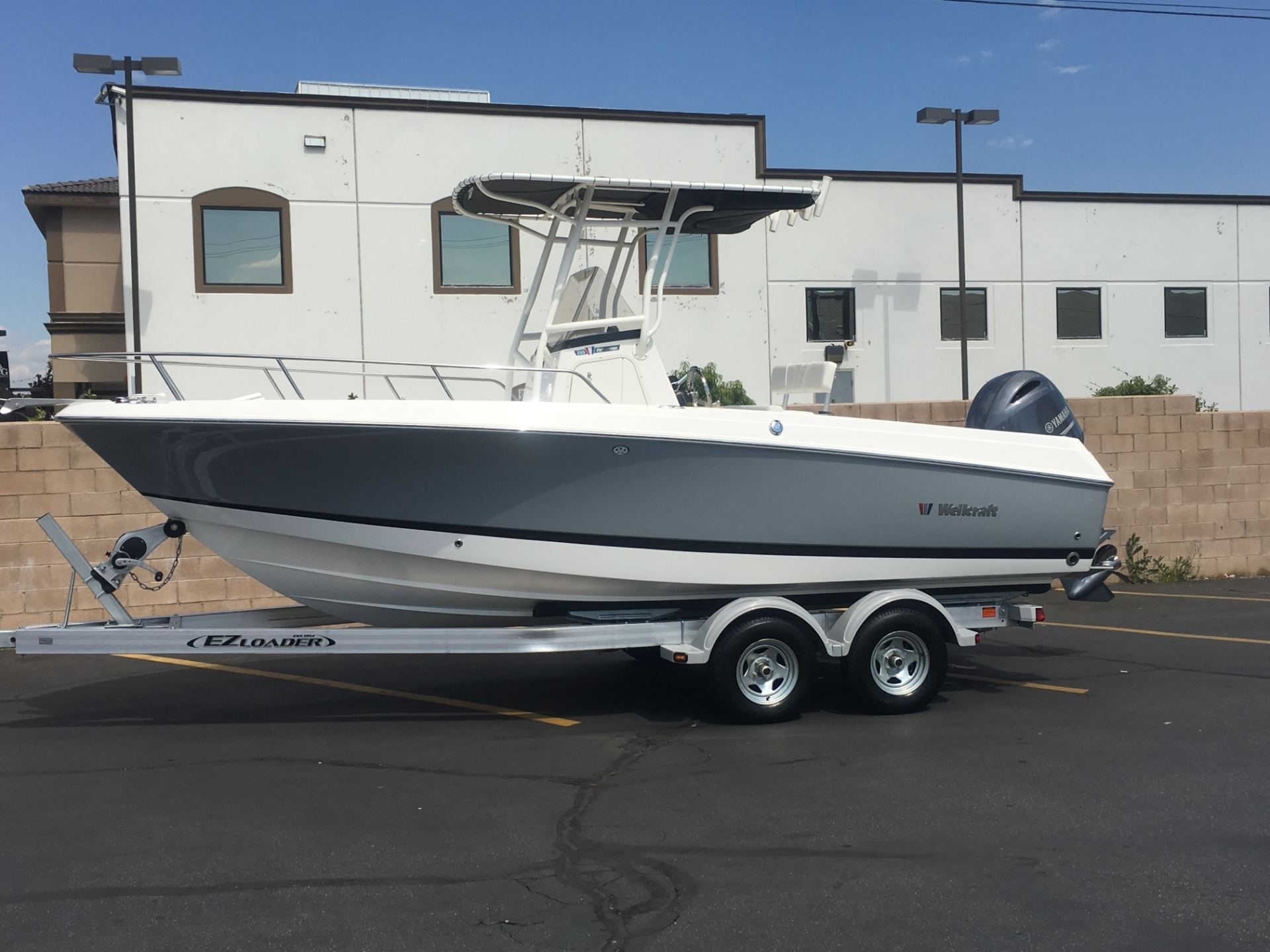 2016 Wellcraft 220 Fisherman in Ontario, California