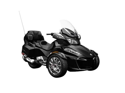 2016 Can-Am Spyder® RT Limited in Middletown, New Jersey