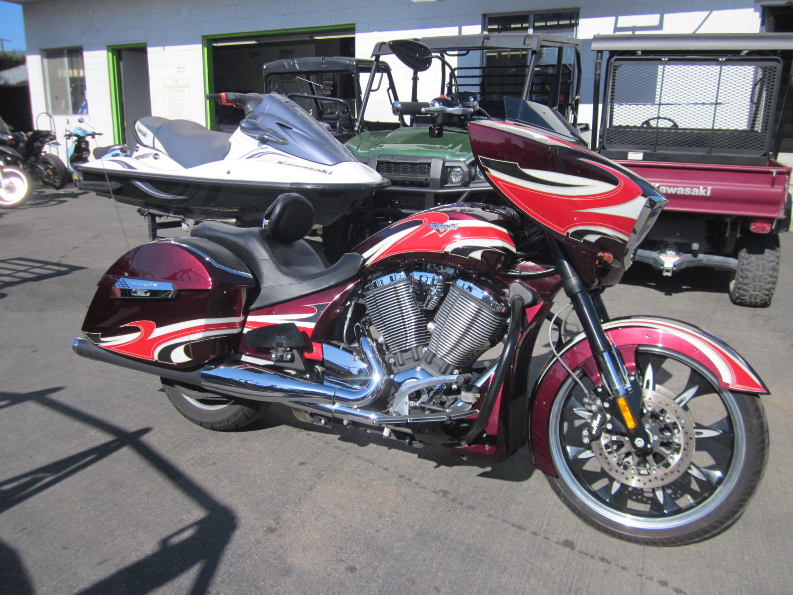 2015 Victory Ness Magnum™ in Goleta, California