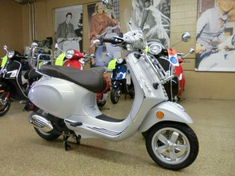 2016 Vespa Primavera 150 Touring in Downers Grove, Illinois