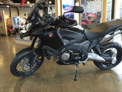 2016 Honda VFR®1200X in Middletown, New York
