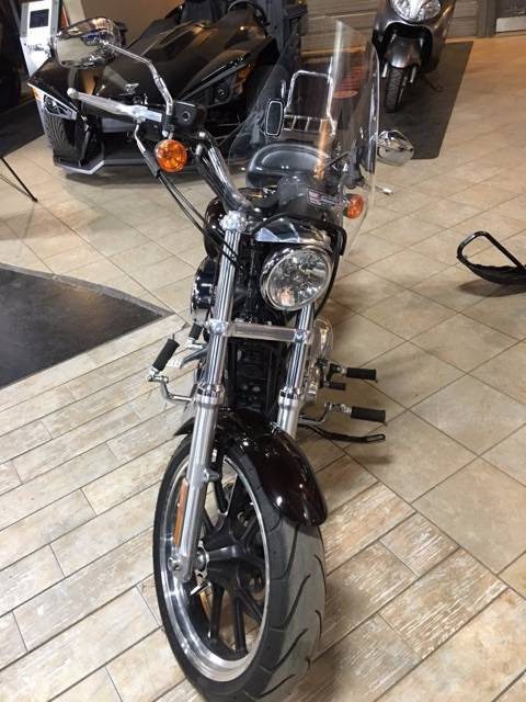 2011 Harley-Davidson Sportster® 883 SuperLow™ in Dimondale, Michigan