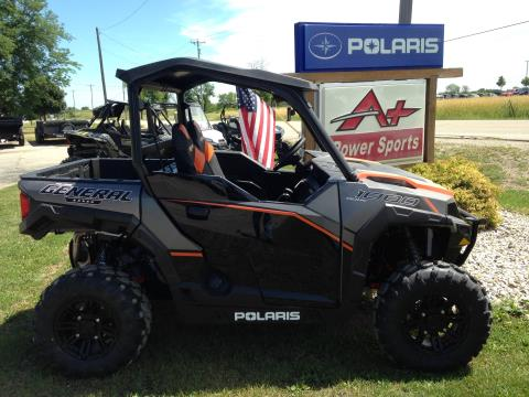 2017 Polaris General™ 1000 EPS Deluxe in Elkhorn, Wisconsin