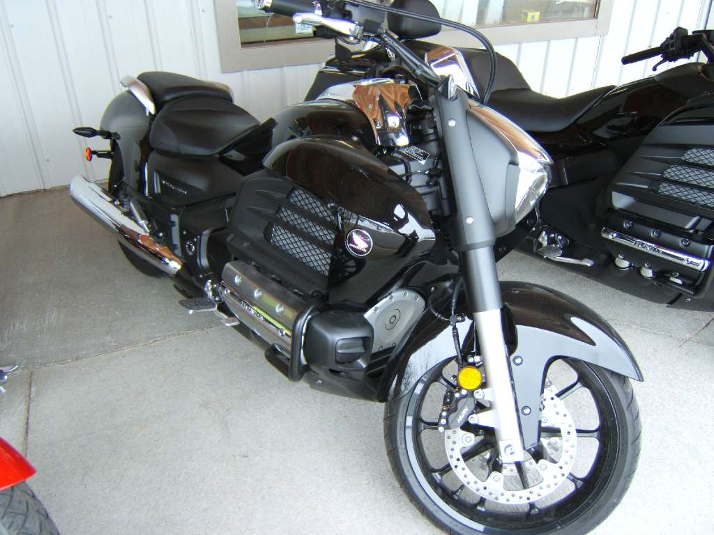 2014 Honda Gold Wing® Valkyrie® in Conway, New Hampshire