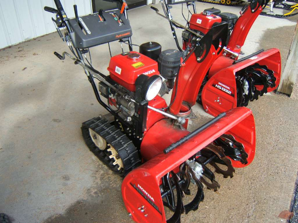 2009 Honda Power Equipment HS1132TAS in Conway, New Hampshire