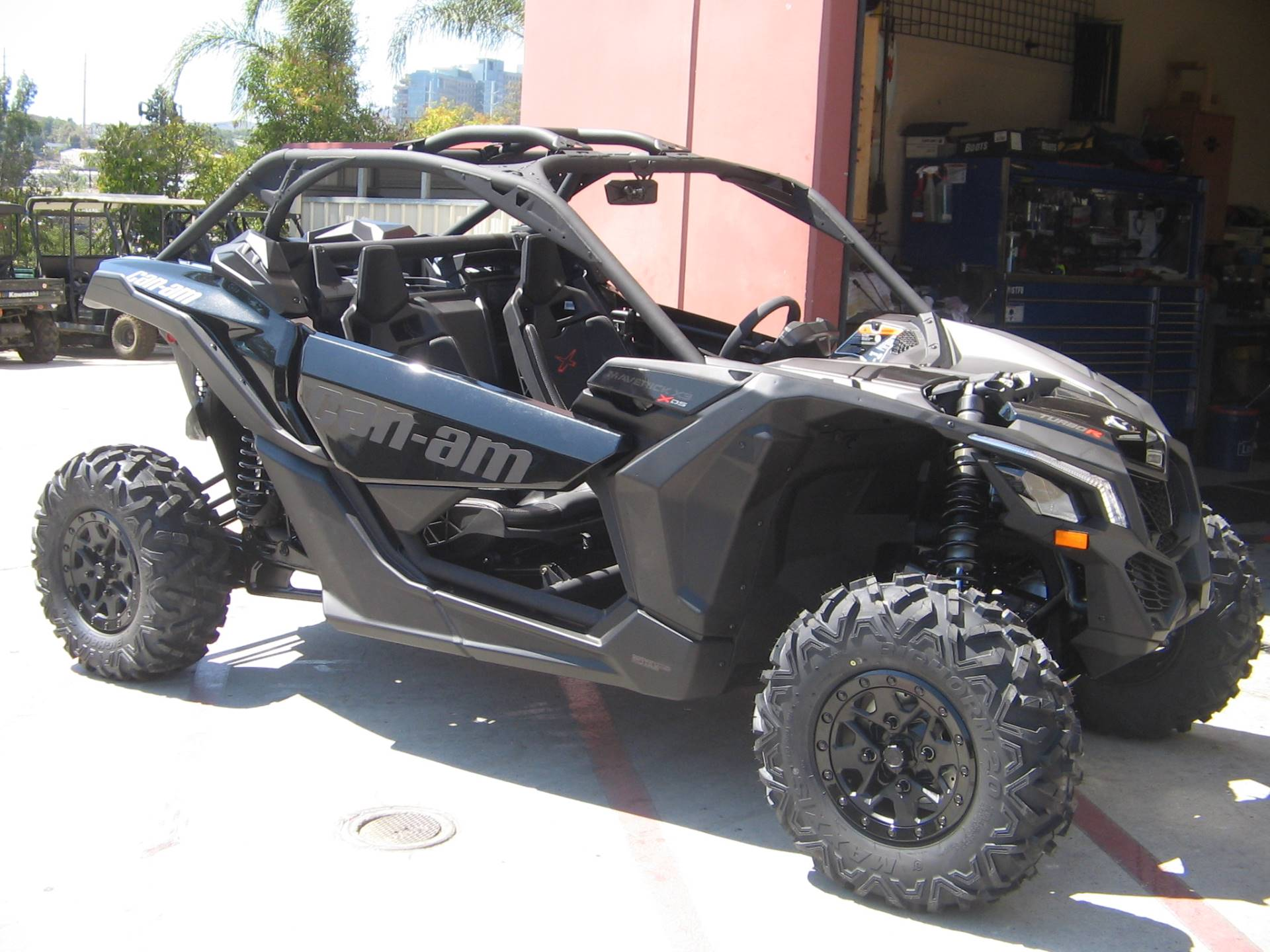 new 2017 can am maverick x3 x ds turbo r utility vehicles in escondido ca. Black Bedroom Furniture Sets. Home Design Ideas