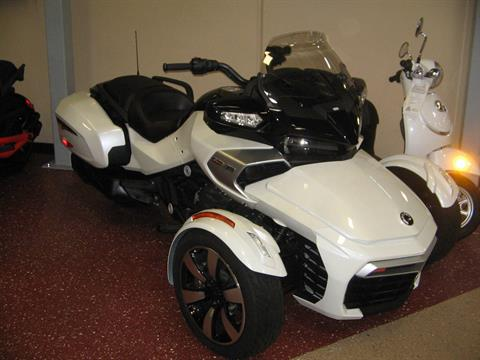 2016 Can-Am Spyder® F3-T SE6 w/ Audio System in Escondido, California