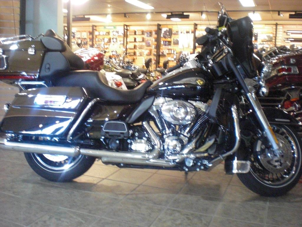 2013 Electra Glide Ultra Limited 110th Anniversary Edit