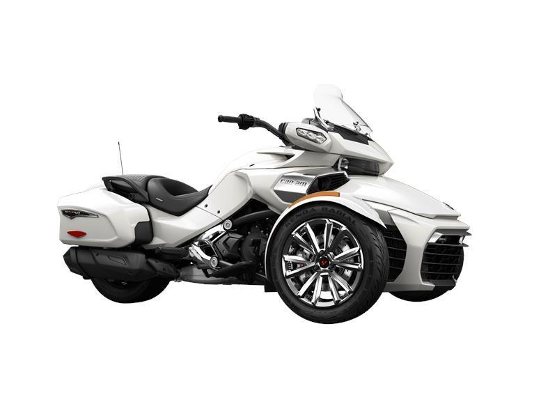 2016 Can-Am Spyder® F3 Limited in Brookpark, Ohio