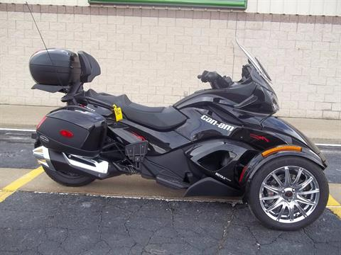 2013 Can-Am Spyder® ST Limited in Canton, Ohio