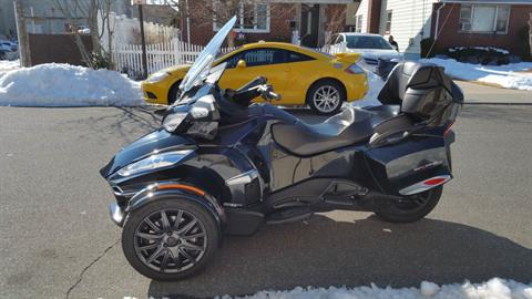 2014 Can-Am Spyder® RT-S SE6 in Mineola, New York