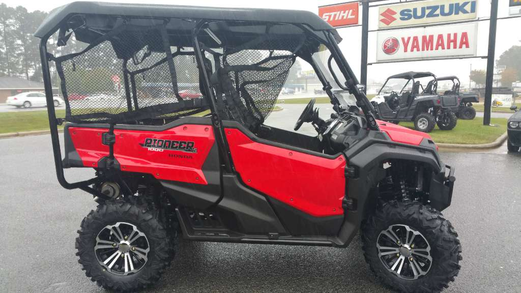 2016 Honda Pioneer™ 1000-5 Deluxe in Greenville, North Carolina