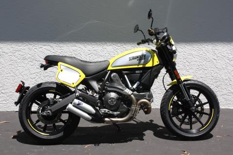 2016 Ducati Scrambler Flat Track Pro in Fort Myers, Florida