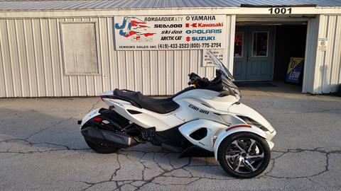 2014 Can-Am Spyder® ST-S SE5 in Huron, Ohio