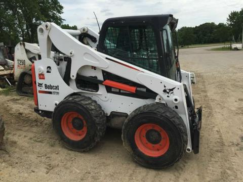 2014 Bobcat S770 in Dassel, Minnesota