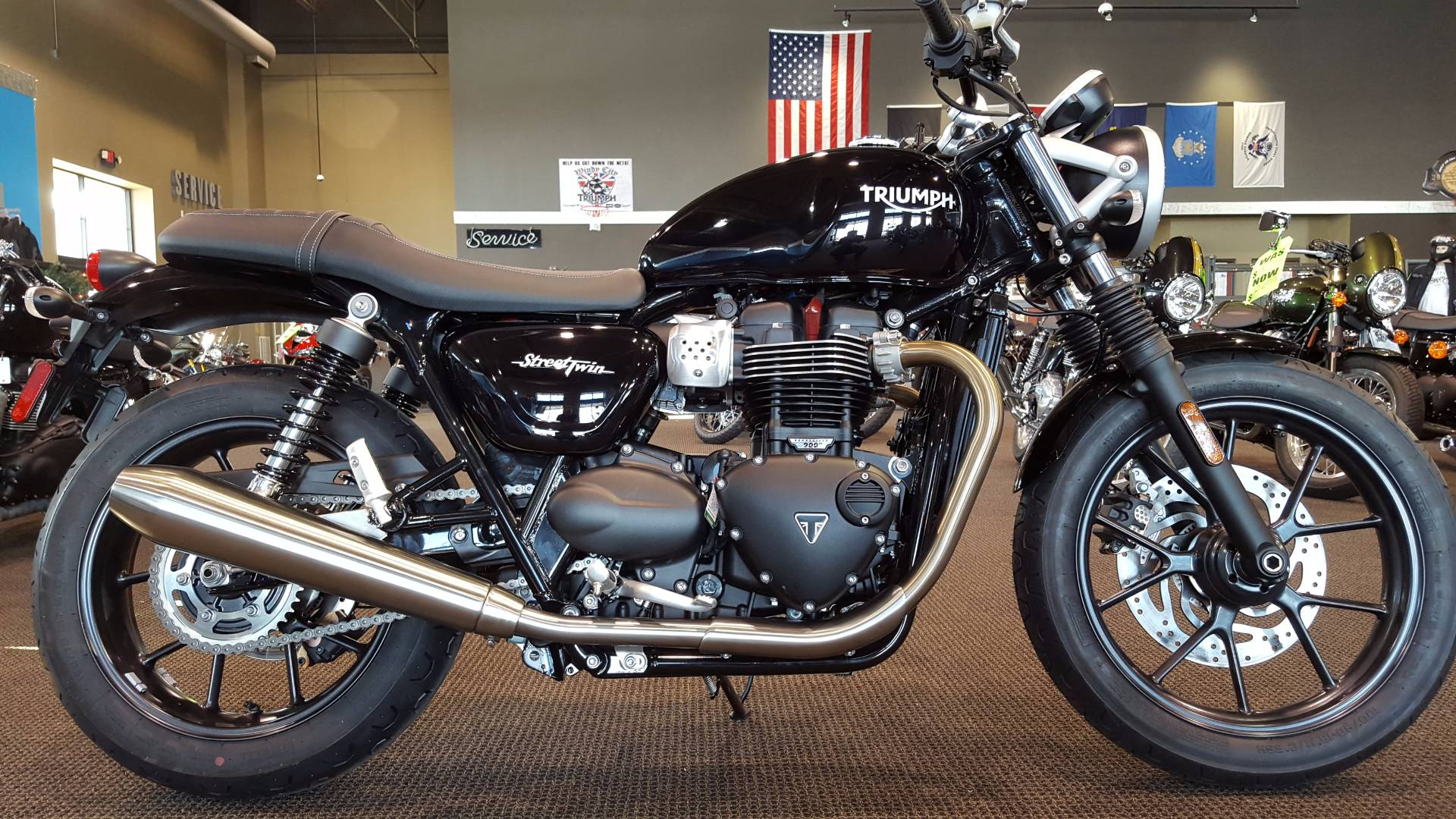 2017 triumph street twin black 2017 triumph road bike in saint charles il 4306518558 used. Black Bedroom Furniture Sets. Home Design Ideas