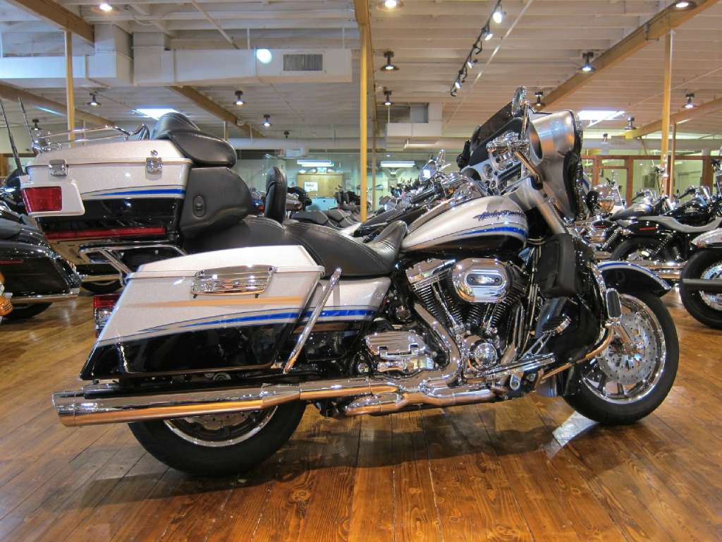 2009 Harley-Davidson CVO™ Ultra Classic® Electra Glide® in South San Francisco, California