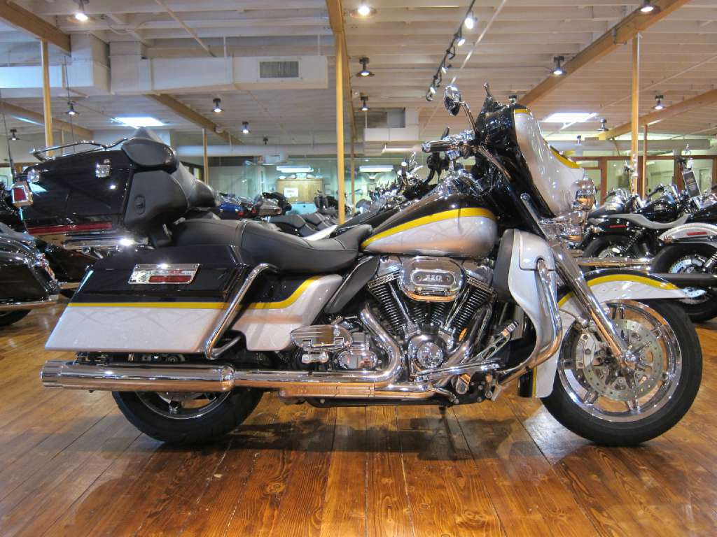 2012 Harley-Davidson CVO™ Ultra Classic® Electra Glide® in South San Francisco, California