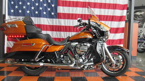 2015 Harley-Davidson Ultra Limited Low in Shorewood, Illinois