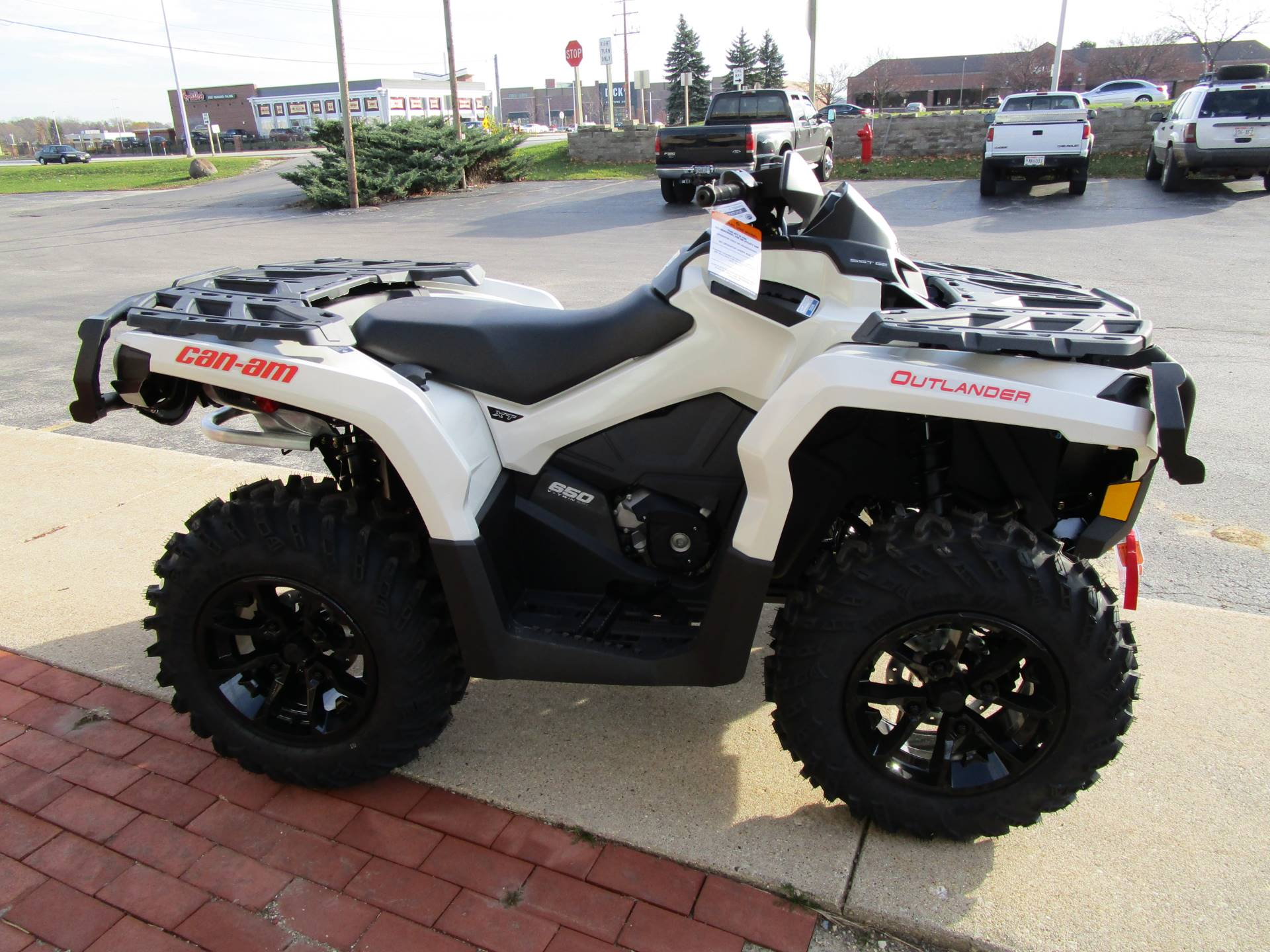 new 2017 can am outlander xt 650 atvs in brookfield wi. Black Bedroom Furniture Sets. Home Design Ideas