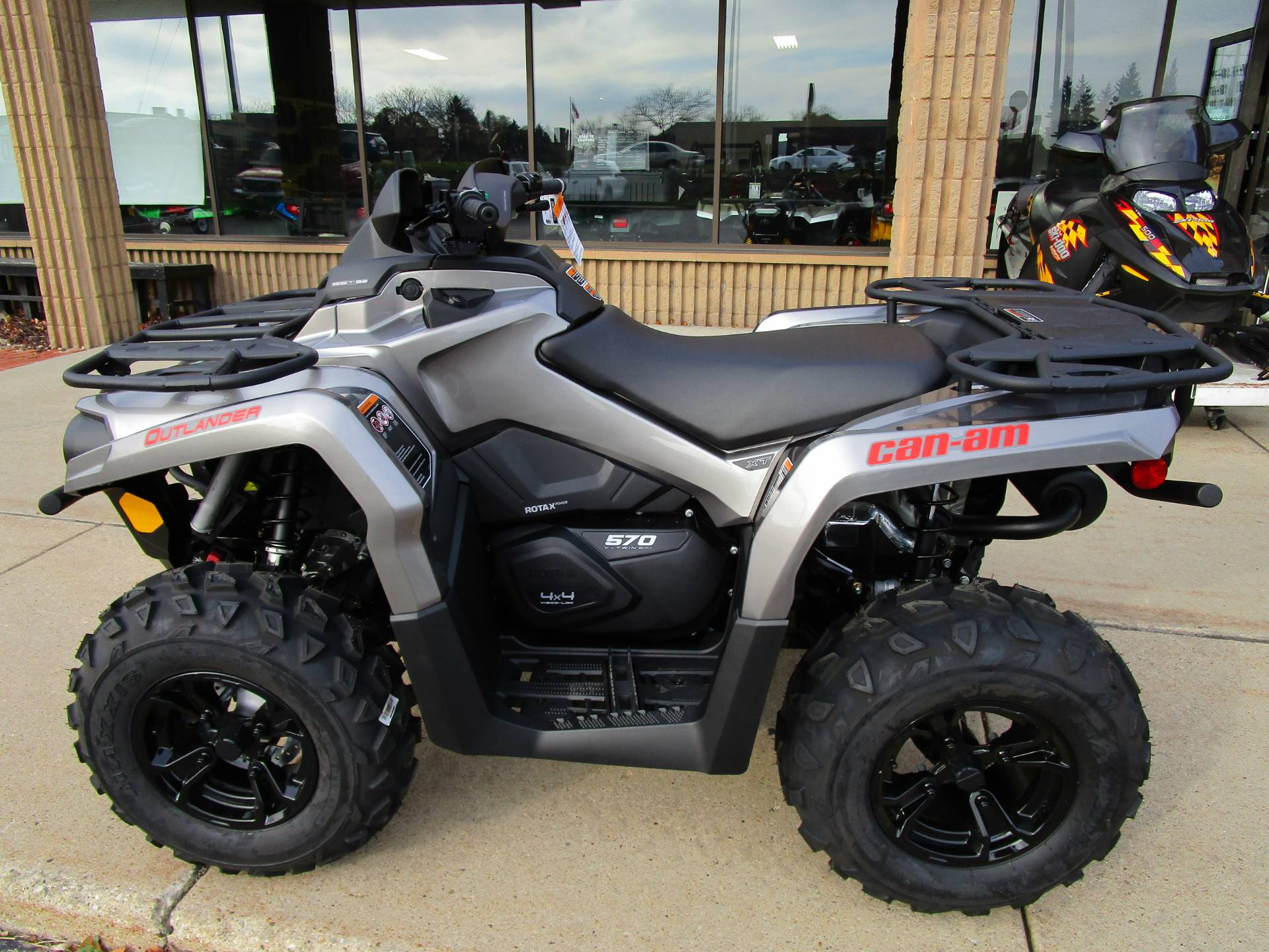 new 2017 can am outlander xt 570 atvs in brookfield wi. Black Bedroom Furniture Sets. Home Design Ideas
