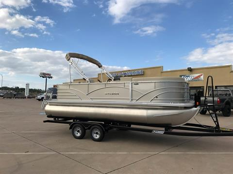 2017 Sylvan MIRAGE 820 CRS in Fort Worth, Texas