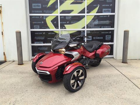 2016 Can-Am Spyder® F3-T SE6 w/ Audio System in Grimes, Iowa